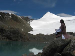 meditando - lago y nieve